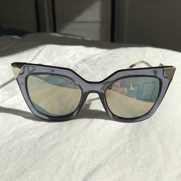 ee2f4188aa722 Fendi Accessories - Authentic Fendi lucite sunglasses